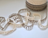 100% Natural Cotton and Linen Fringing for Dressmaking, Upholstery and Crafts - 15mm wide Tufted Trim