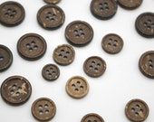 Set of 4 Classic Wood Buttons - 100% Coconut - Polished surface - Four hole - Sew Through - 9mm