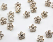 Pair of Flower Buttons - Lightweight Enamelled Plastic Flower Ivory Buttons with Shank -  10mm