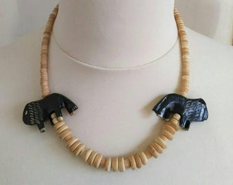 Vintage necklace wooden beads mammoth pattern 80s