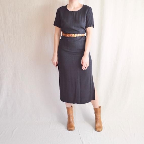 simple black short sleeve midi dress