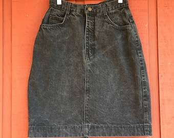 Vintage acid wash denim knee length skirt size 8