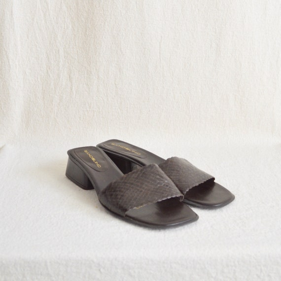 dark brown leather low heel woven leather slide sa