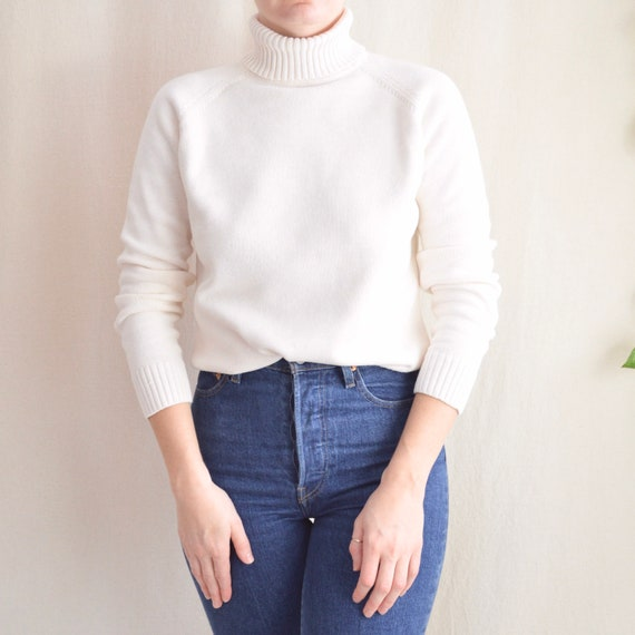 off white simple cotton turtleneck sweater
