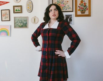 Vintage 1980s Red Plaid Benson and Smith Short School Girl Dress With White Cuffs and Collar Size 9