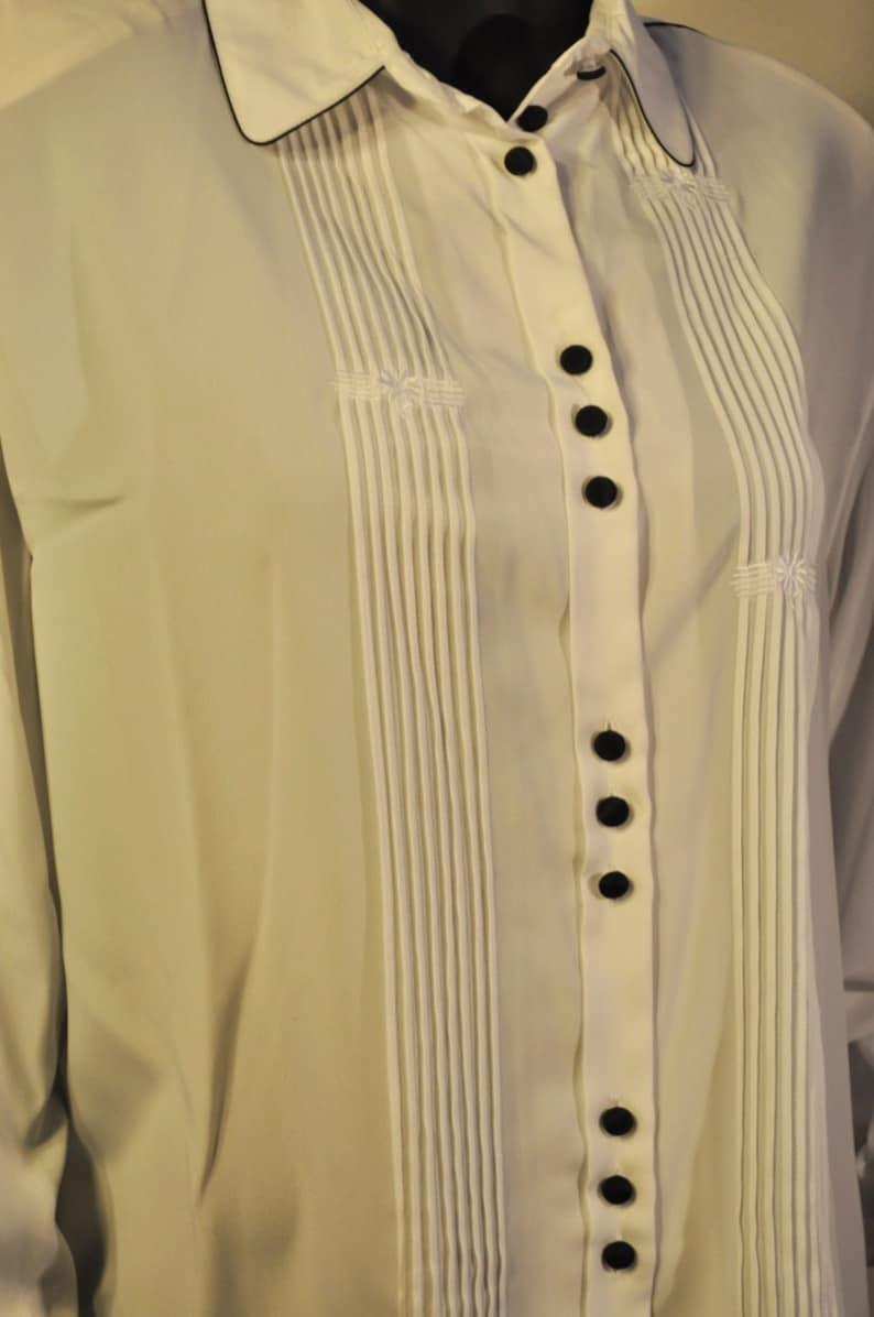 Women/'s Vintage White Blouse