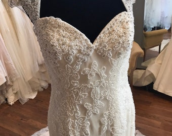 12  Illusion Lace Front Backless Wedding Dress   Bead Bodice Crystal  Illusion Back Front   Beaded Pearls Sweetheart   Wedding Gown   Fit 6736eeaaf0c6
