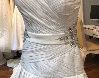 12   Ivory Silk Taffetta Priscilla of Boaton Wedding Gown   pleated  Rhinestone Bodice   Ivory Wedding Gown   Pleats Ivory Gown   12 4f4e31b253a6
