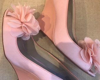 e678559dccd2 8   Peach Flower   Wedge Bridal Shoe   Bridal Wedge   Pink Peach Color    Size 8