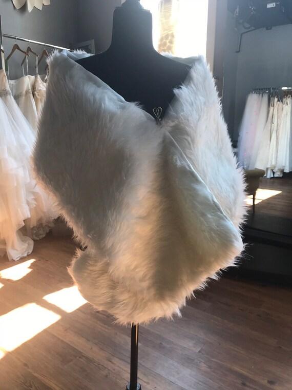 Ivory Faux Fur Wedding Shrug /  Fur Wrap / Rounded