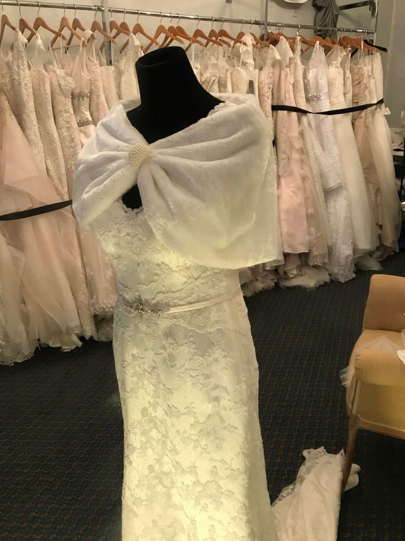 Ivory Faux Fur Wedding Shrug   Pearl Fur cape  Rounded Fur Bolero  Fur Shrug  Gorgeous Wedding Shrug  Ivory Shawl Pearl Bead  Size Sm