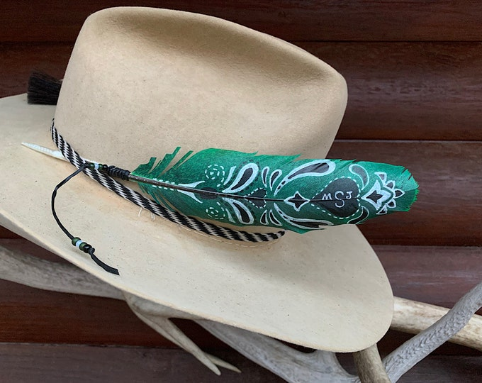 Bandana hat feather, may be personalize with initials, unlimited color choice, cowgirl hat accessory, western retro fashion, painted feather