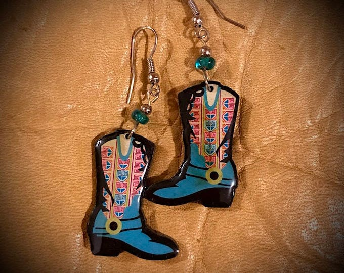 FREE SHIP, Western boot earrings, cowgirl boot earrings, western jewelry, turquoise boot, glass bead, colorful dangle earring, cowgirl chic