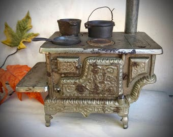 Free Ship,Antique salesman sample cast iron ornate wood cook stove, miniature replica toy stove