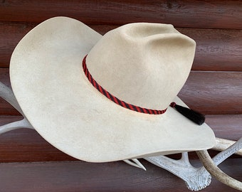 Horse hair hat band, red and black braided horse hair hat band, adjustable one size fits all, style worn by Pepper in movie The Cowboy Way