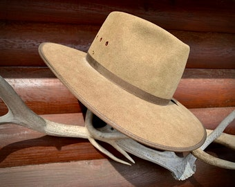 Vintage hat, outback style, boho hippie hat, Australian Akubra cattleman, fur felt vintage, made in Australia, SIZE 56, size 7,  western