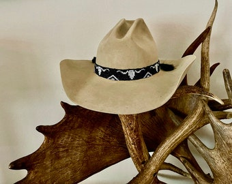 Beaded HAT BAND with horse hair tassels, adjustable, Black and white beads in western cowboy longhorn steer design, hat accessory, cowboy