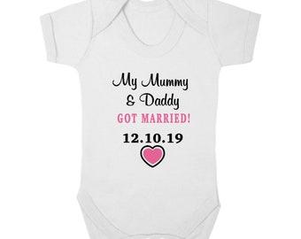 05b66b760 My MUMMY & DADDY GOT Married - Bodysuit/Baby Grow/Vest/Romper/Sleep Suit,  Wedding, Flower Girl, Page Boy, Personalised with Wedding Date