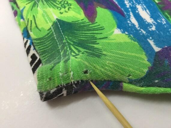 Hawaiian Short PantsHawaii Floral Motif ShortsSize S