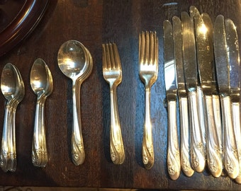 Holmes & Edwards Silver Plate Silverware - Romance - service for 8
