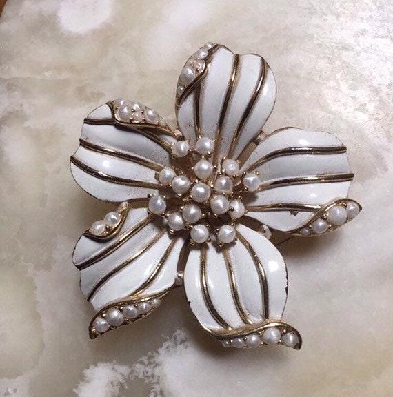 Crown Trifari White Flower Brooch - Crown Trifari