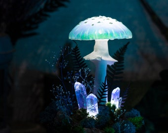 Mushroom lamp MADE TO ORDER - Blue mushroom lamp with crystals - fairy glowing home decor - fungi light - Fantasy forest - glowing mushrooms