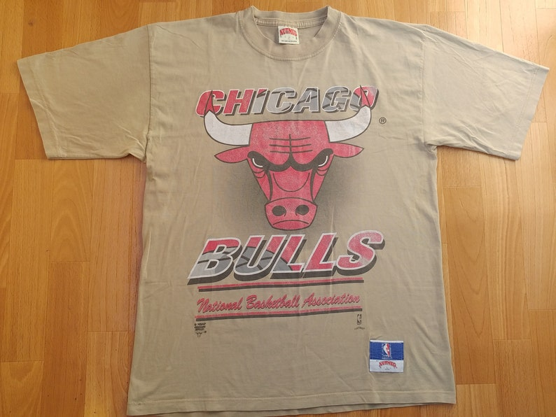 competitive price 50da7 1934a Chicago Bulls jersey, NBA licensed Nutmeg Mills t-shirt, vintage  basketball, 90s hip-hop, 1990s hip hop clothing, old school, size L Large