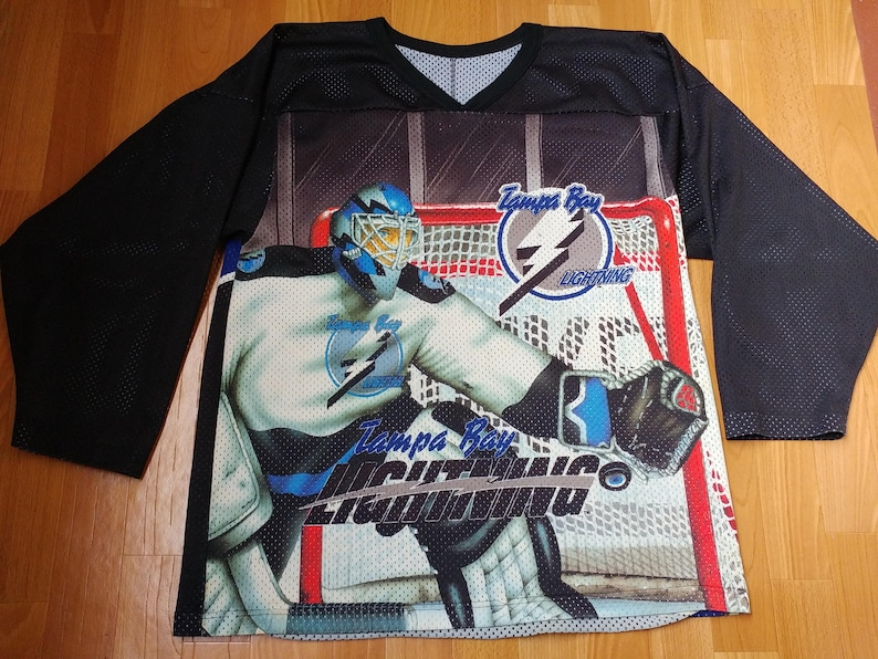 official photos 7b7aa 9808c NHL Tampa Bay Lightning jersey, officially licensed t-shirt, CCM, vintage  hockey shirt of 90s hip-hop clothing, size L Large