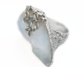 Raw Stone and Silver Ring 925. Raw Chalcedony Ring. Flowers Ring. Original Ring. One-of-a-kind ring. Raw Crystal Ring