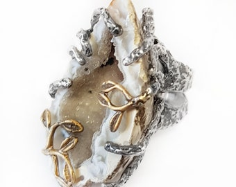 925 Sterling Silver and Quartz Geode Ring with ORor 18 Kts-plated Leaves. Unique ring in its class. Original Ring. Claw Ring