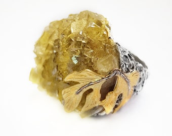 Raw Citrine ring and Sterling Silver 925 and Gold-plated Leaves 18 Kts. Unique ring in its class. Citrine Quartz Ring. Big ring.
