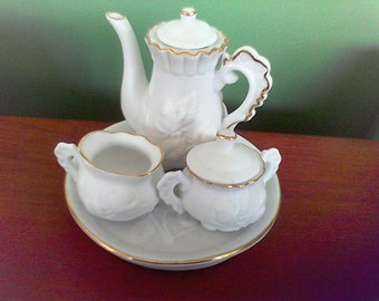6 pc. Porcelian Tea Set, Miniature, Childs tea set