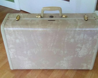 Suitcase  old luggage  Samsonite 21 x14  inches Steamlite