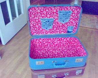 Vintage Blue  suitcase , AirPac suitcase, 21x 14 x6.5 stacking suitcase, card case , display