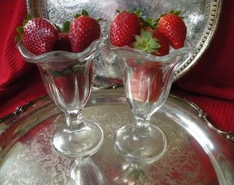 Ice cream parlor glasses, desert glasess, Milk shake glasses