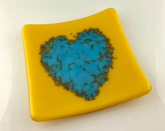 Fused Reactive Glass Small Heart Plate