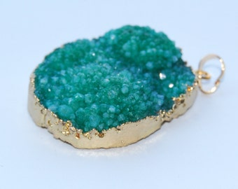 Drusy Agate Pendant Charm, 25-50 mm, Green Color, Gold Electroplated Edge, Irregular Shape Different Size Item No.:P-QUA-0040