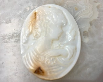 MOP Shell Cameo Pendant Oval Shape Size 28x38mm Sale by Piece