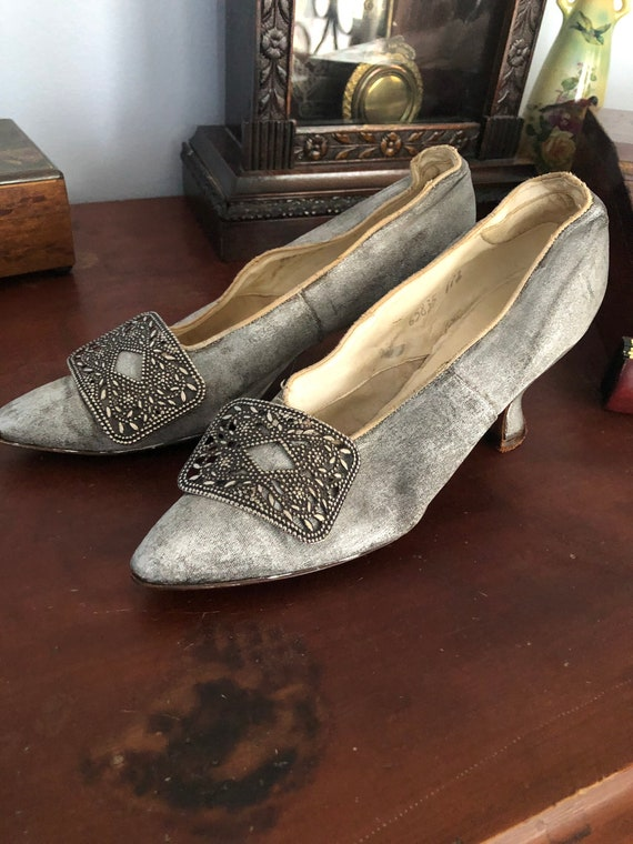Beautiful antique Edwardian heeled shoes with buck
