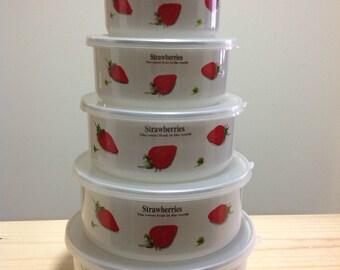 Set of 5 Nesting Bowls- Strawberries