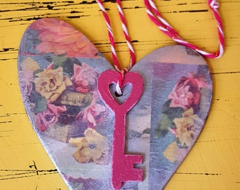 Key-to-my-heart romantic, silver sheen hanging wooden heart