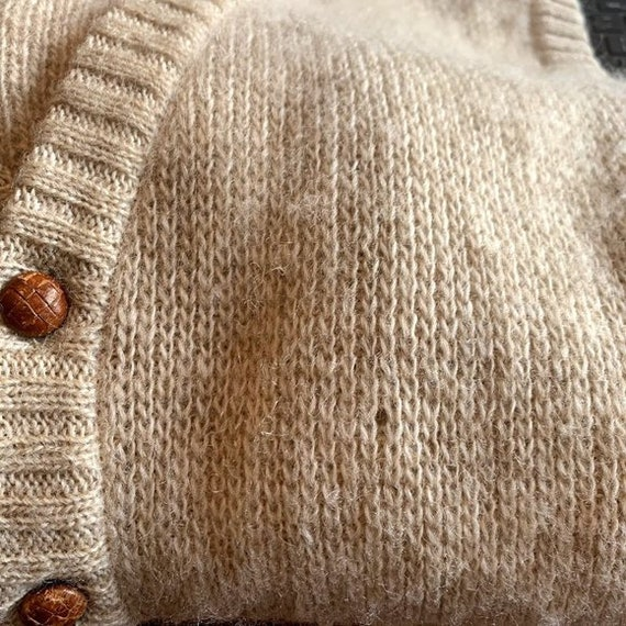 Vintage Hilda Ltd 100% Pure Wool Tan Knit Sweater… - image 9