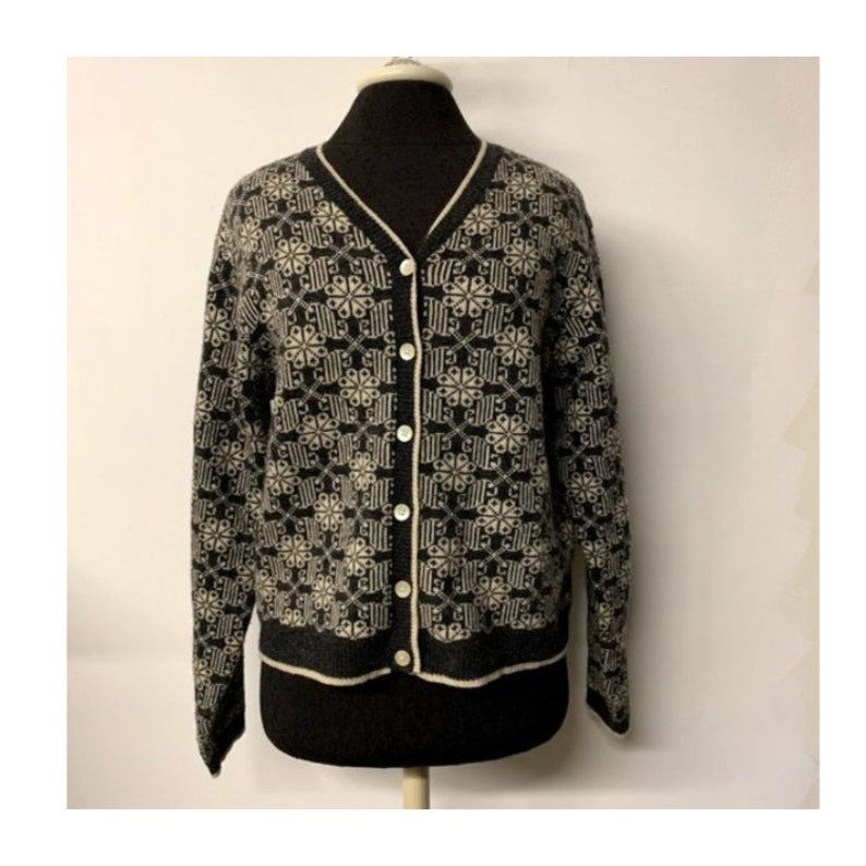 110380bf2 Vintage GAP Cardigan Sweater 90s GAP Gray White Geometric