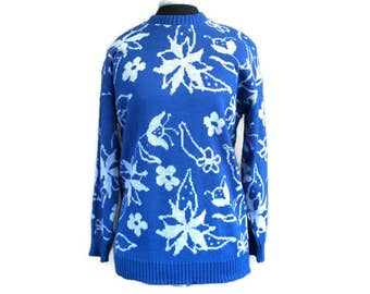 Vintage Sweater, 90s Sweater by Knit Maven Sz M, Blue White Floral Sweater, Spring Sweater, Hipster Sweater, Oversized Sweater Flower Print