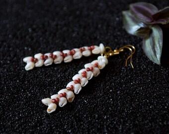 100% Ni'ihau Shell Heleconia Earrings 14K | Item # JK117