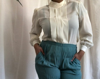 8f64b0cacdea67 M - Cream Off-white vintage 80s blouse