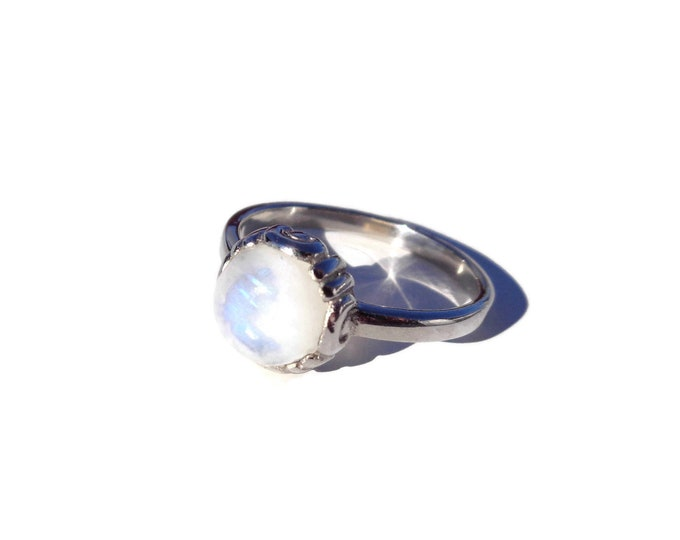 MOONSTONE Ring, Rainbow Moonstone, Sterling Silver Ring, Dainty Ring, Gemstone Ring, Stacking ring, Moonstone Jewelry, Gift for Mom