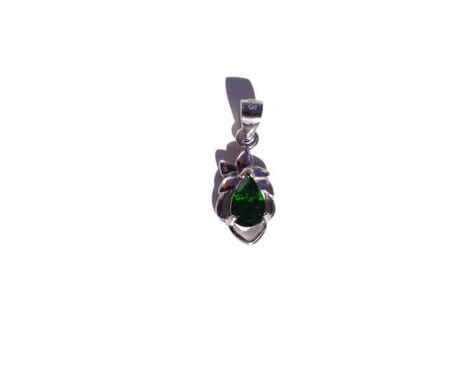 Dainty 925 Sterling Silver Diopside Necklace, Chrome Diopside Silver Pendant, Faceted Green Gemstone, Natural Russian Chrome Diopside
