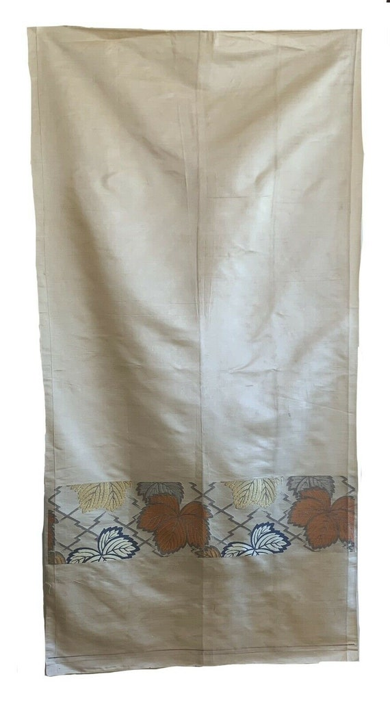 Beautiful 20th Cent. Japanese Silk curtain with jacquard design 5400