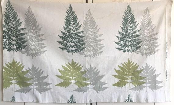 Charming Vintage 20th C. Cotton Botanical Schumacher Leaf Print Fabric (2376)